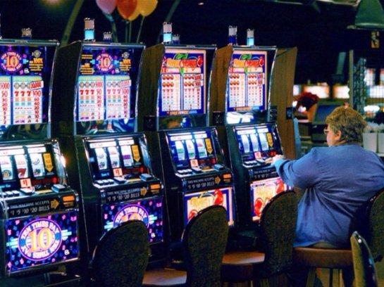 Онлайн казино Кристал приглашает сразиться с прибыльными однорукими бандитами