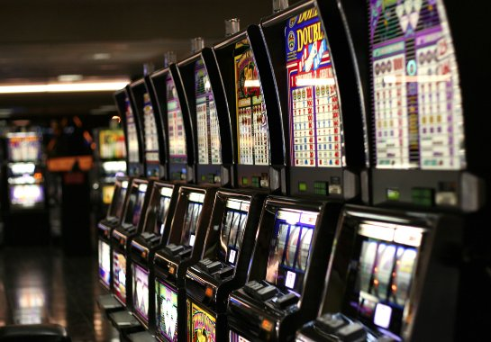 Огромный выбор автоматов в онлайн казино «Super Slots»